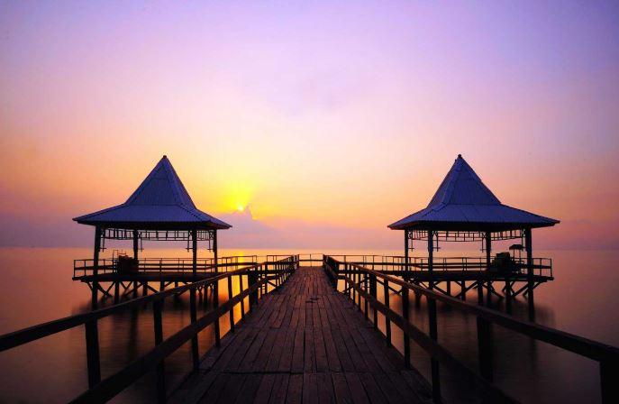 Pesona Pantai Kenjeran