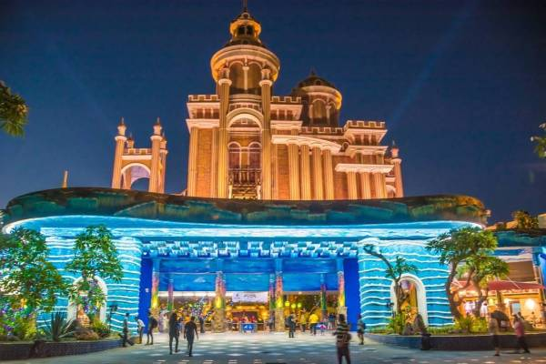 DisneyLand Surabaya terbaru