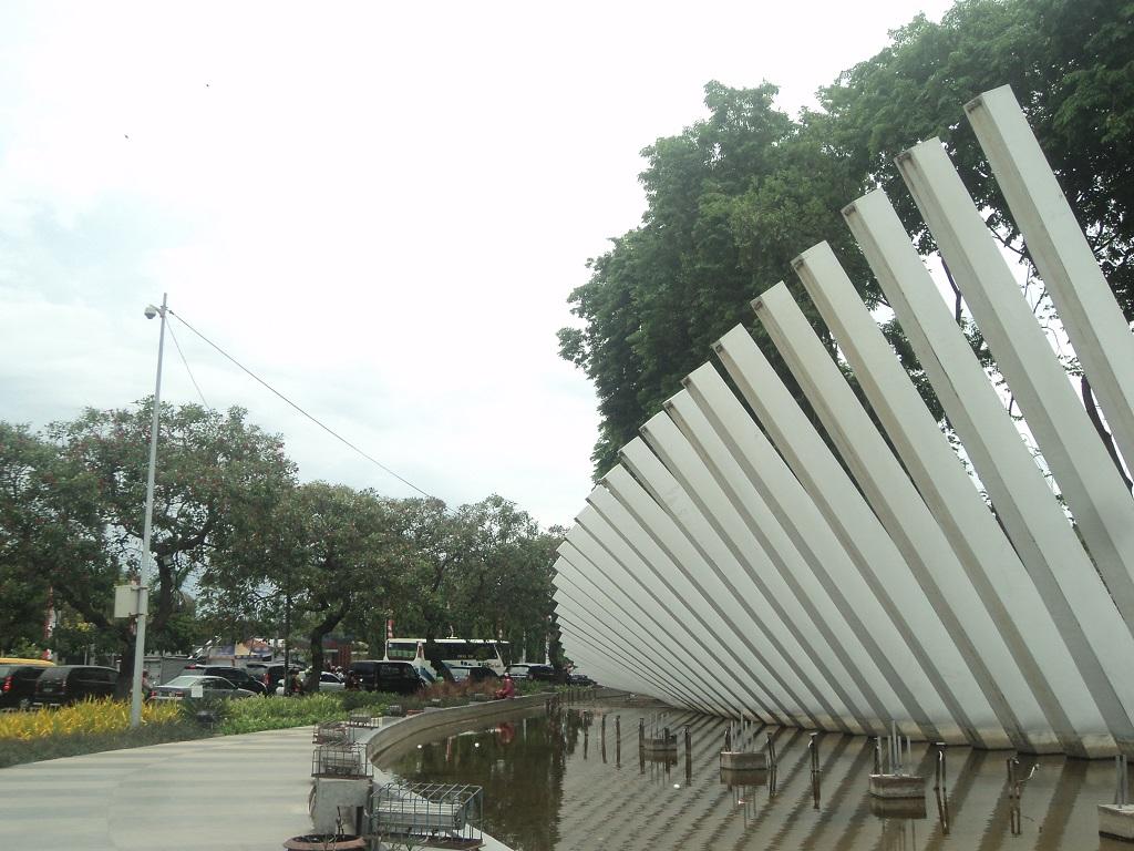 Taman Pelangi Surabaya siang hari