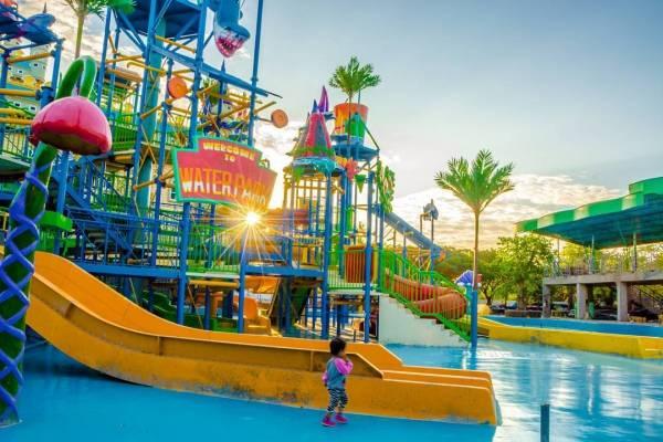 wisata DisneyLand Surabaya