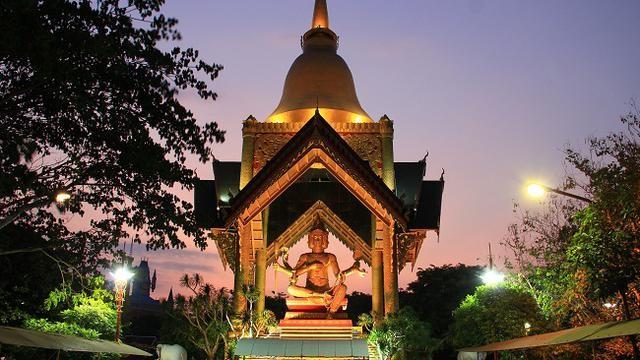 patung buddha empat rupa surabaya