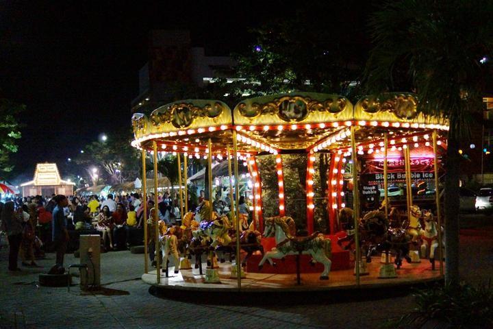 wahana permainan di pakuwon food festival surabaya